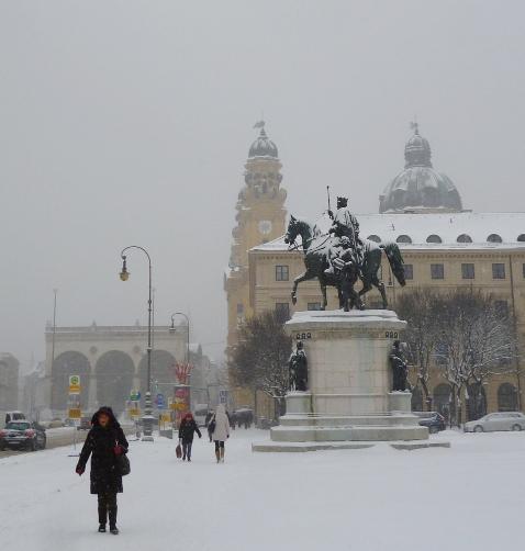 130117_Schnee_Odeonsplatz